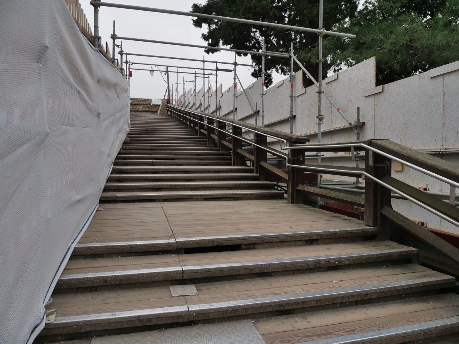 Ponte accademia passerelle laterali