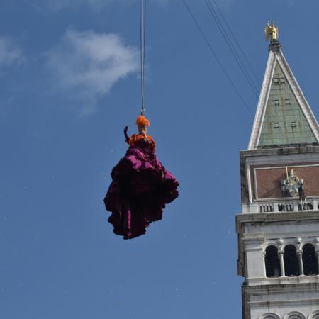 Volo angelo dal campanile