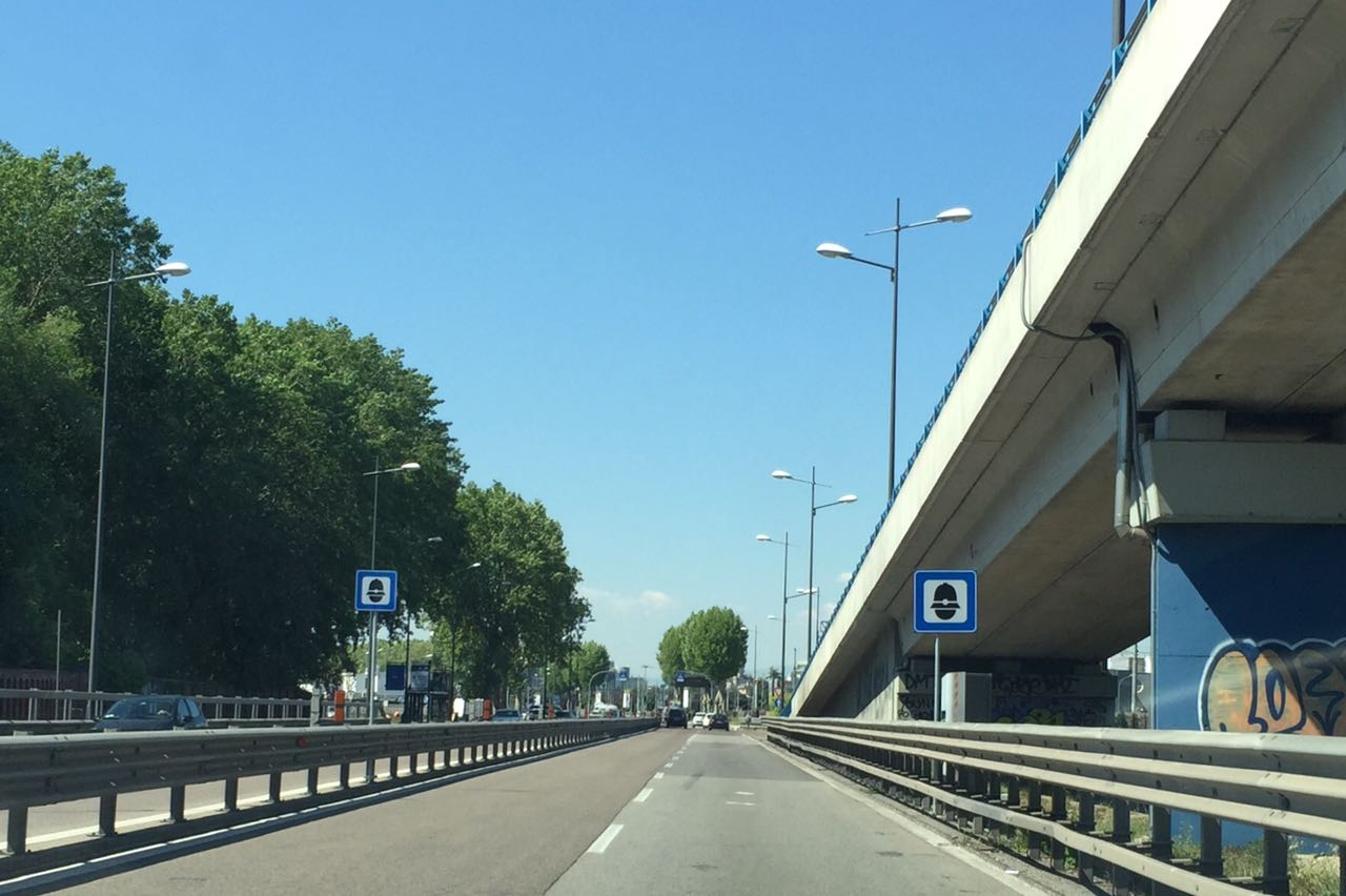 Strada con autovelox