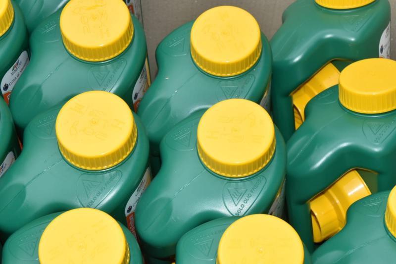 tanichette per la raccolta degli oli usati
