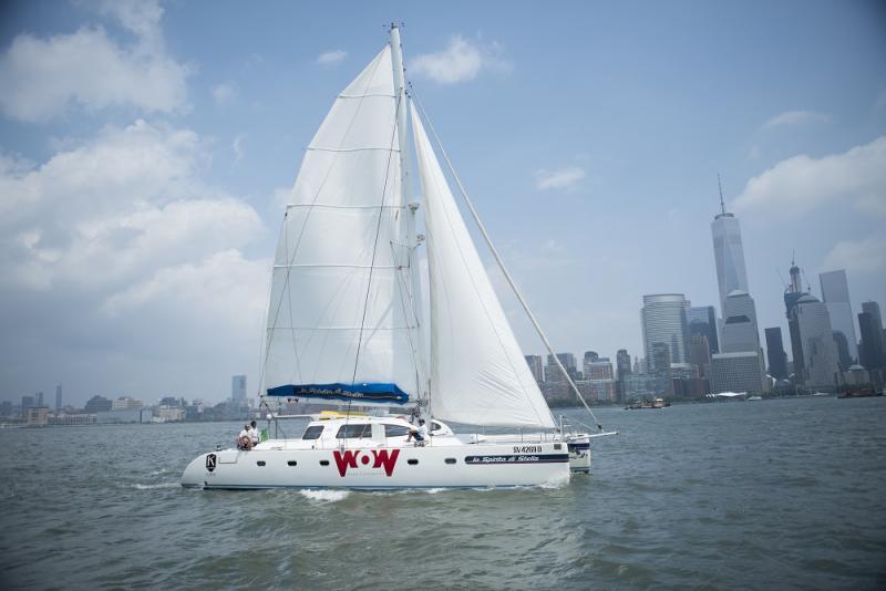 Catamarano nelle acque di New York