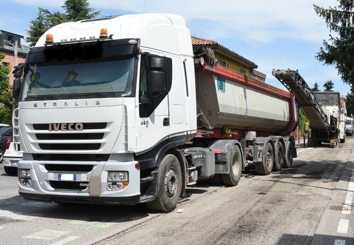 Rifacimento asfalto stradale