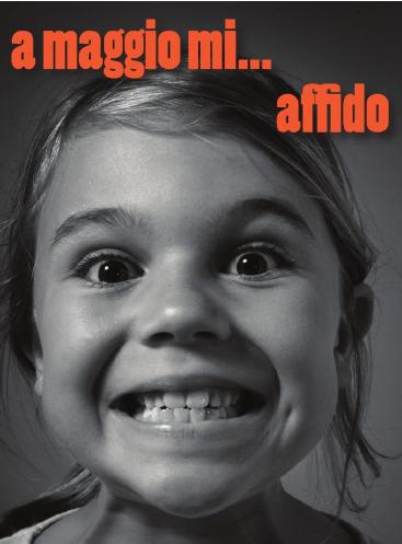 bambina sorridente - particolare della locandina