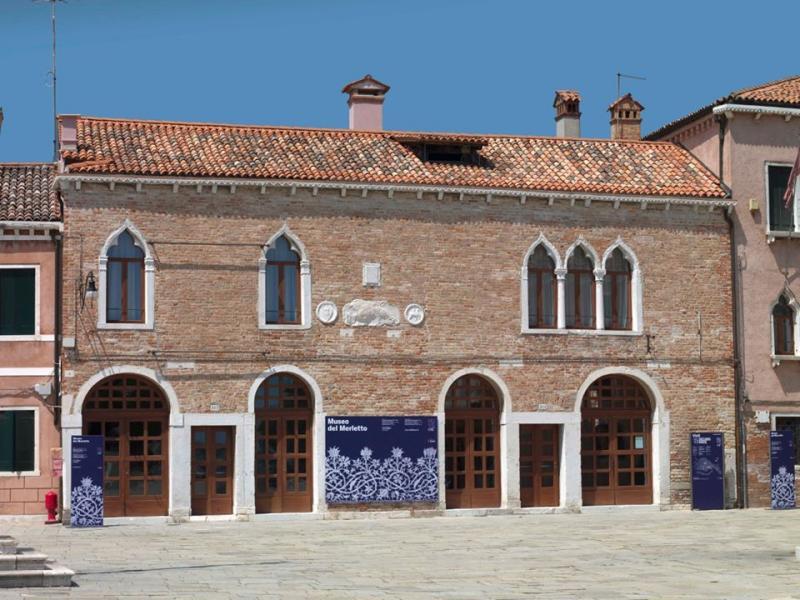 facciata del museo del merletto
