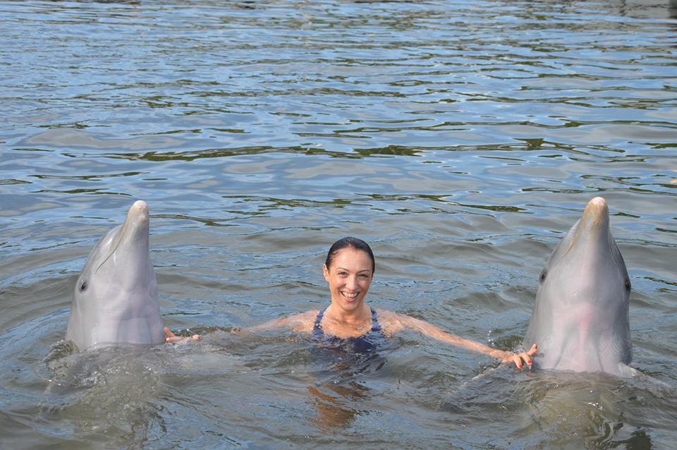 Monica Acciai e delfini