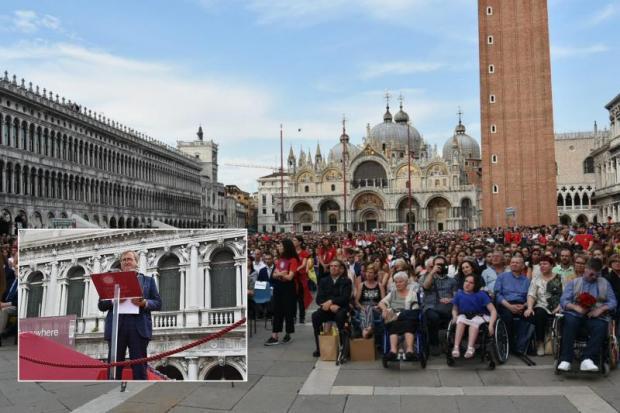 Calendario Lauree Ca Foscari.Cerimonia Di Laurea A San Marco A Venezia 18 Luglio 2019