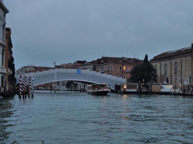 Restauro del ponte dell accademia lavori secondo for Ponte del secondo piano